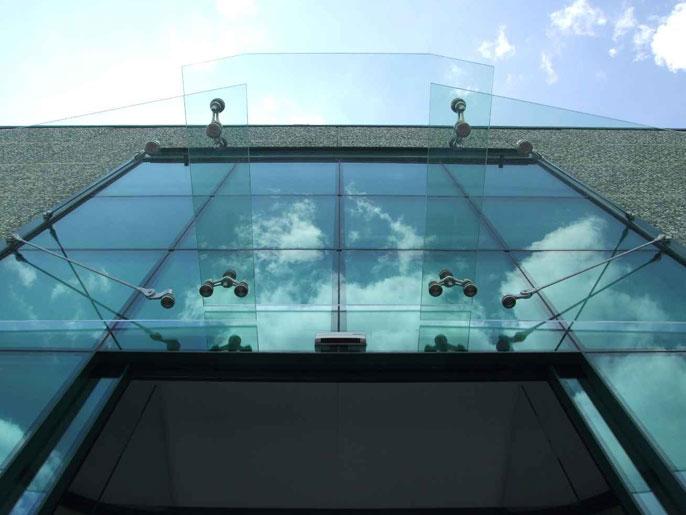 Pensilina in vetro stratificato
